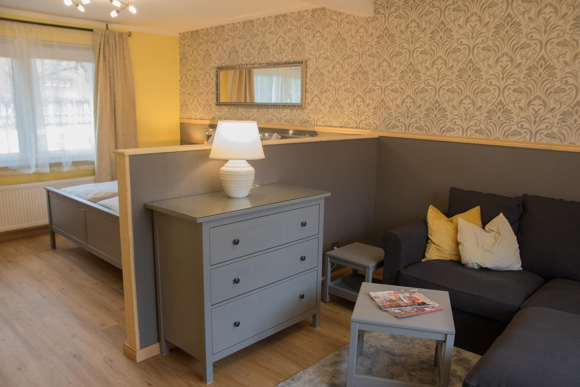 Apartment Postblick - Wohn-Schlafzimmer